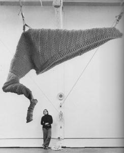 Barbara-Shawcroft-and-fiber-sculpture-Cal-Design-76